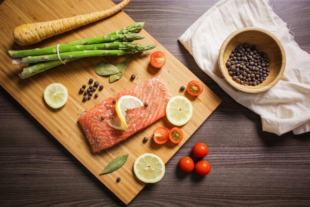 Le vin et le saumon, attention à vos accords mets & vins